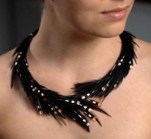 Hahnenfedern, elastischer Halsreif